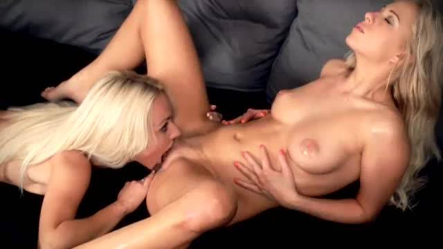 Carla cox victoria puppy - blonde babes eat each other out in 69 position