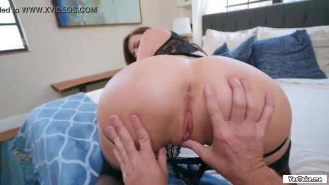 Sexy chick seducing bf for an anal sex
