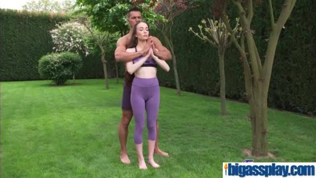 Yoga beauty has most intense fuck(angel rush) 01 mov-18